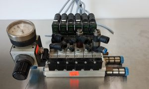 Lot of 6 Festo MEH-5-2-1-8-B Solenoid Valves w Manifold Pressure Regulator